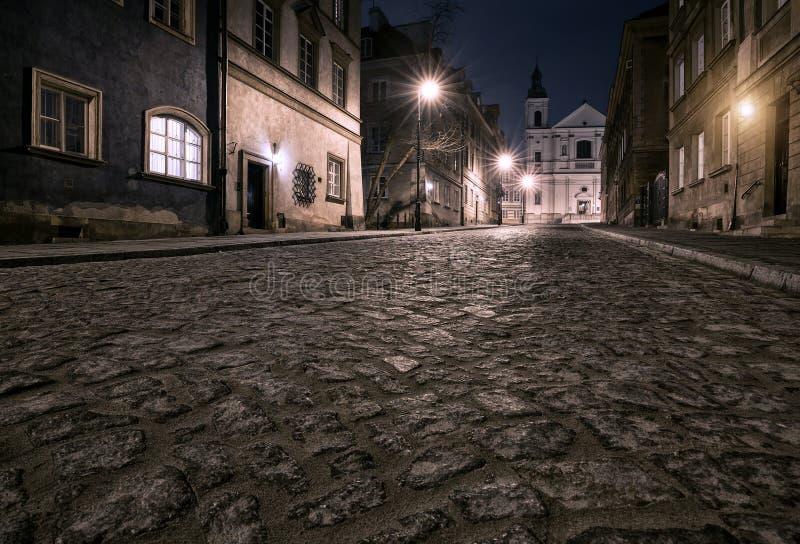 老镇的街道在华沙 库存照片
