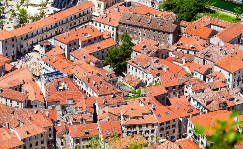 老镇的顶视图在科托尔 黑山 免版税库存照片