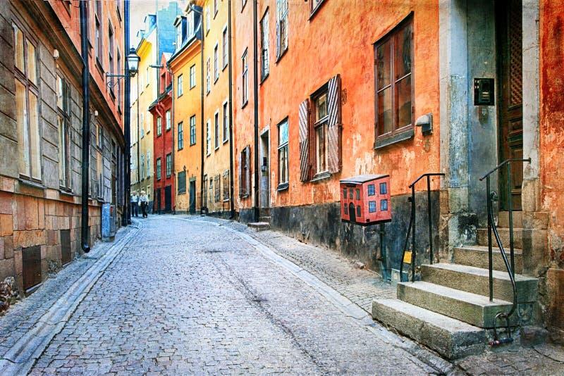 老镇迷人的colorfuk街道在斯德哥尔摩, Sweeden 免版税库存图片