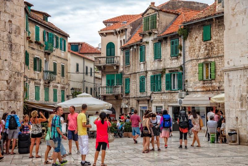 老镇,克罗地亚的建筑学分裂的 库存图片