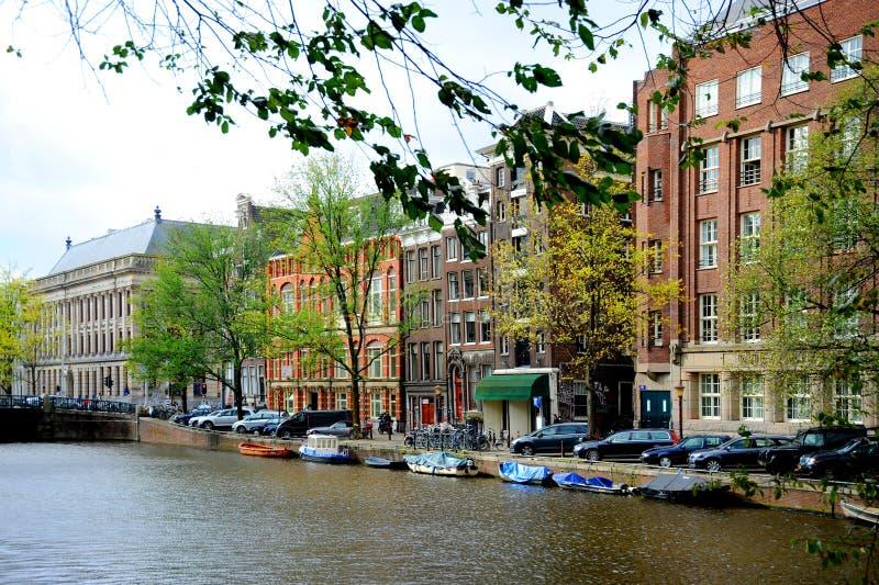 老阿姆斯特丹,荷兰运河和街道  库存照片