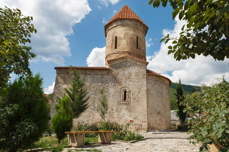 老阿尔巴尼亚教会在基什阿塞拜疆 库存照片