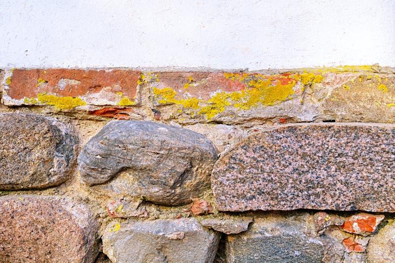 老难看的东西石头织地不很细墙壁 被应用的减速火箭的过滤器 免版税库存照片