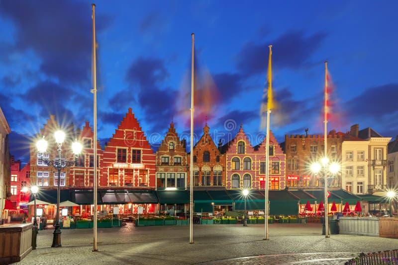 老集市广场在布鲁日,比利时 库存照片