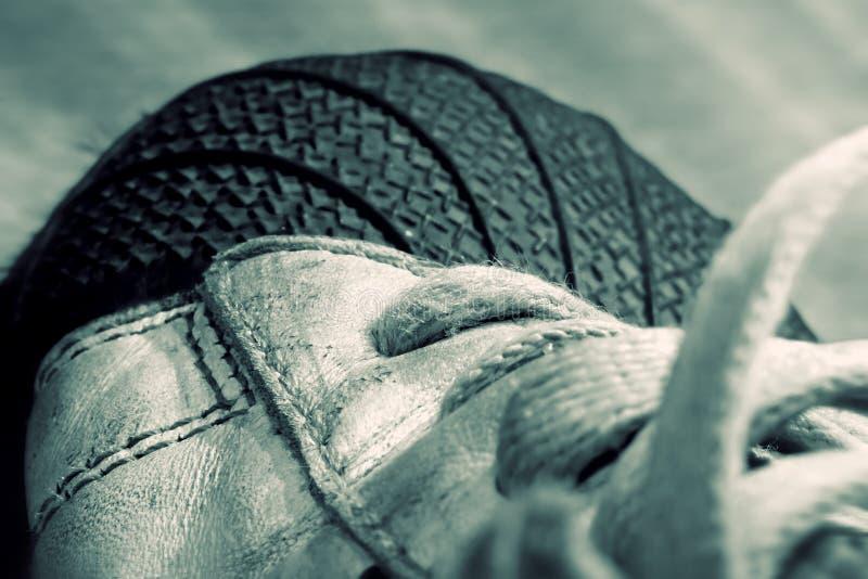 老鞋子体育运动 免版税库存照片
