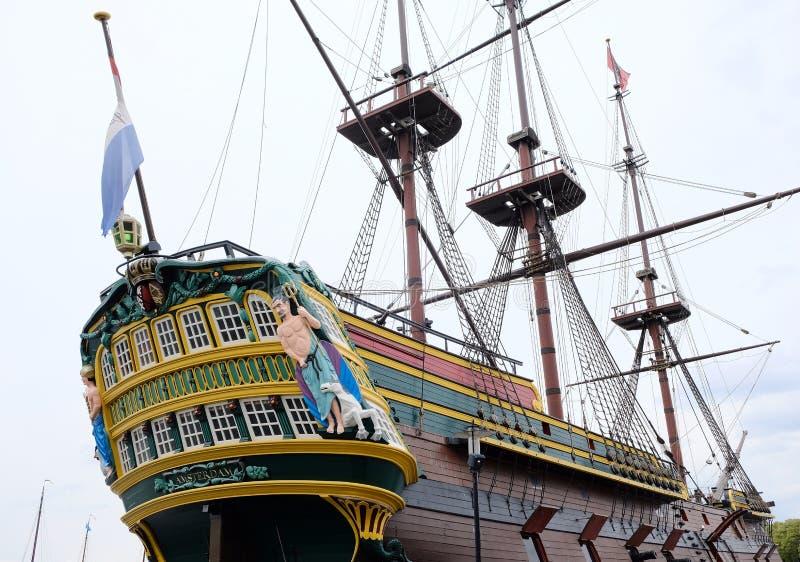 老风帆船在阿姆斯特丹港口 免版税图库摄影