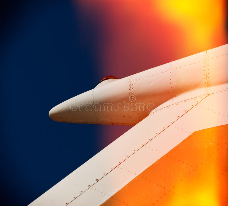 老飞机翼尾巴 免版税库存图片