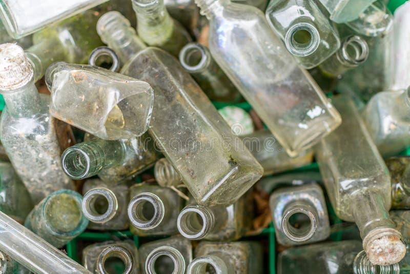 老饮用或医学瓶 免版税图库摄影