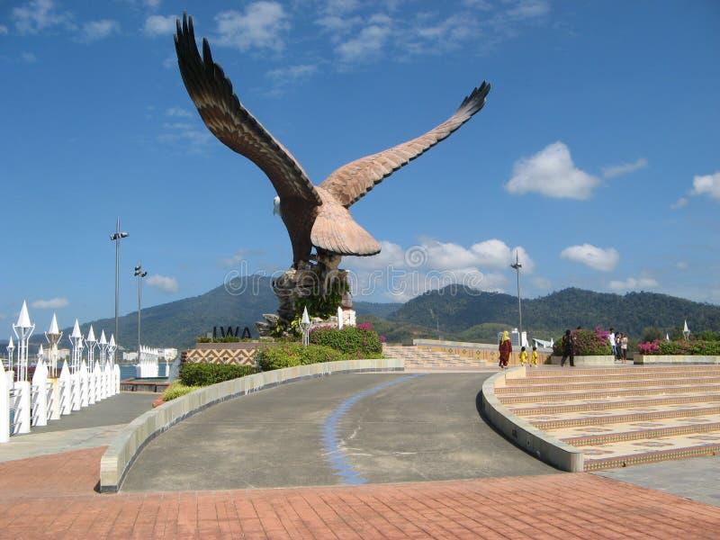 老鹰雕象在Kuah -凌家卫岛,马来西亚的首都 免版税图库摄影