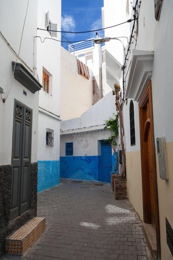 老麦地那狭窄的街道 更加气味强烈的摩洛哥 库存照片