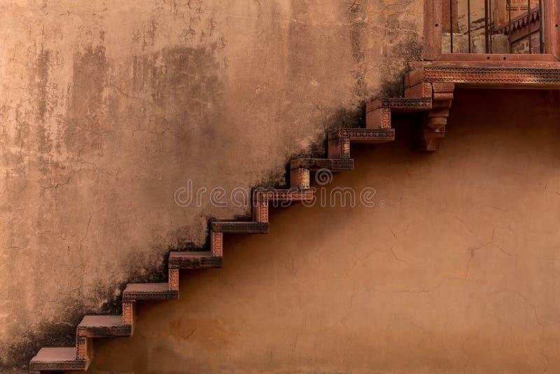 老黏土楼梯寺庙在法泰赫普尔西克里复杂拉贾斯坦印度 库存图片