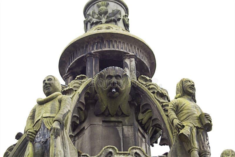 老,历史建筑学在Linlithgow在苏格兰 免版税库存照片