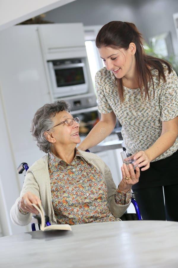 老年人的Homecare 免版税库存图片