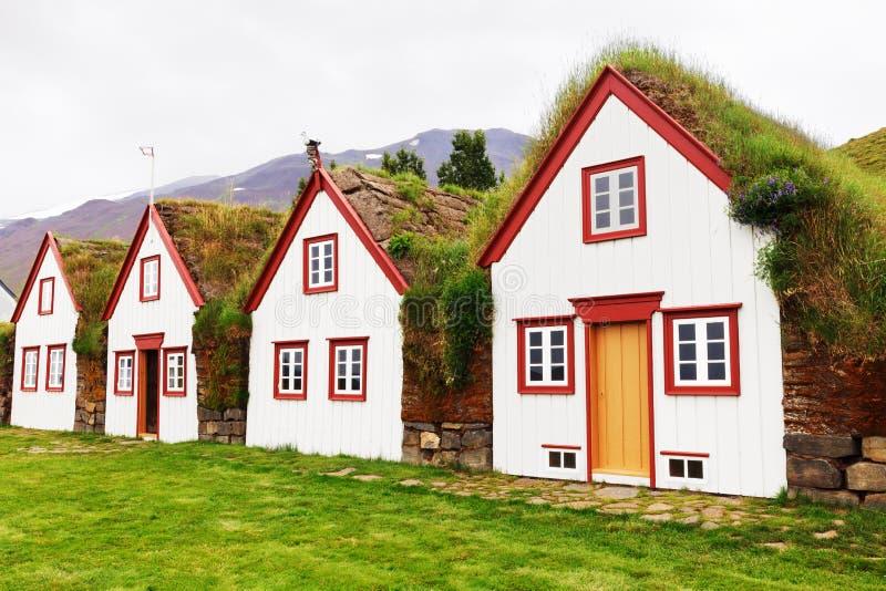 老建筑学典型的农村草皮房子,冰岛, Laufas 图库摄影