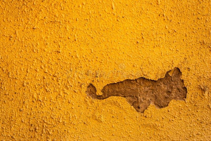 Download 老破裂的墙壁 库存照片. 图片 包括有 browne, 橙色, 漏洞, 外部, 年龄, 拱道, 颜色, grunge - 30332702
