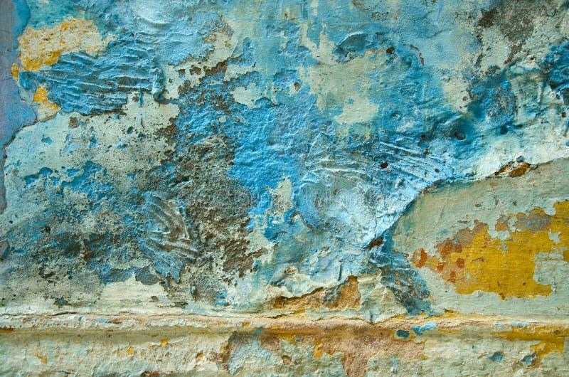 老年迈的和难看的东西墙壁背景在印度 免版税库存图片