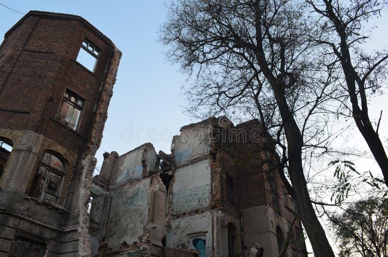 老医院的废墟 免版税库存图片