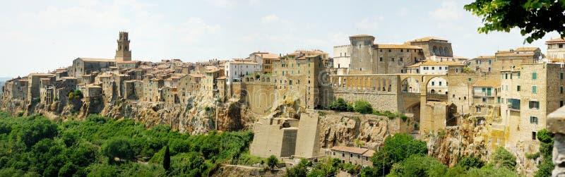 Pitigliano全景在意大利 库存照片