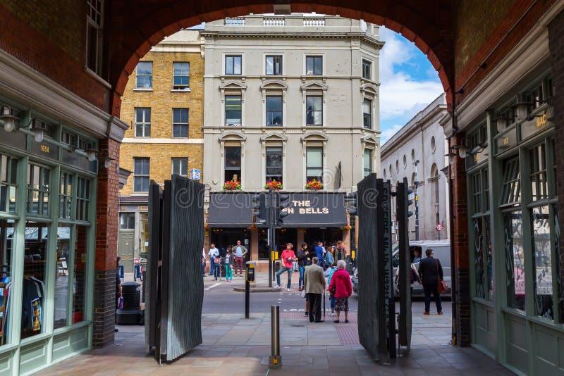 老Spitalfields市场的入口在伦敦 免版税库存照片
