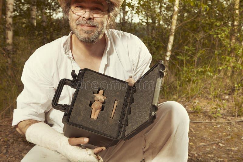 考古发现安全包裹在字段位置的 库存图片