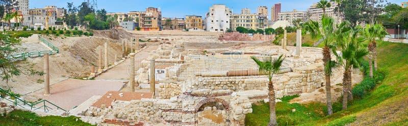 考姆广告Dikka考古学si罗马圆形露天剧场全景  免版税图库摄影