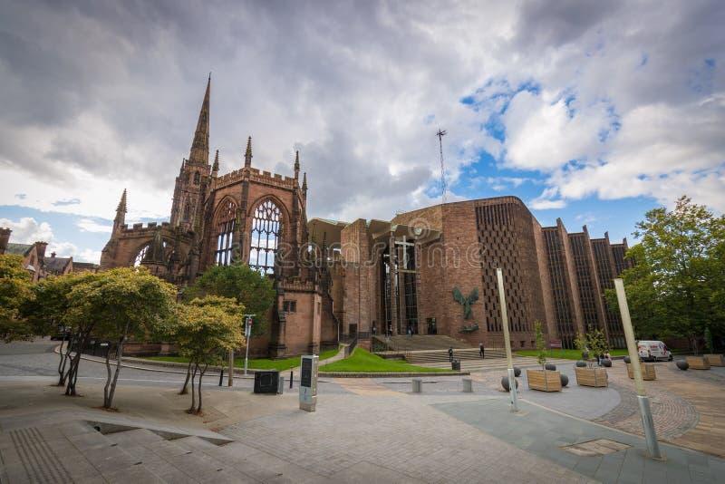 考文垂大教堂教会废墟在考文垂英国 图库摄影