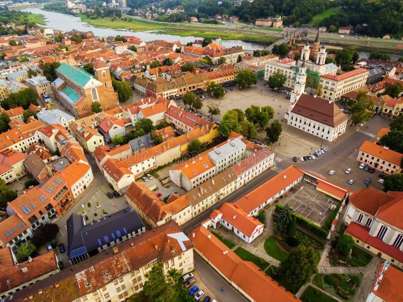 考纳斯,立陶宛:老镇空中顶视图  库存照片