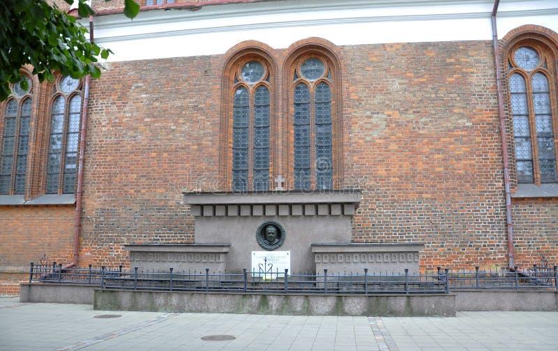 考纳斯8月21,2014 - Basillica圣皮特圣徒・彼得和保罗,外部从考纳斯在立陶宛 免版税库存照片