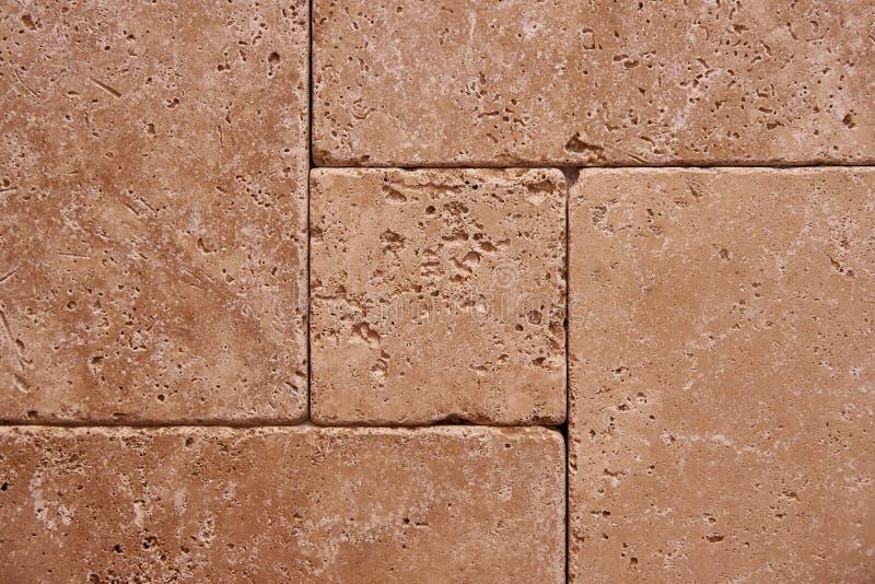 耐久的瓦片石墙  免版税库存图片