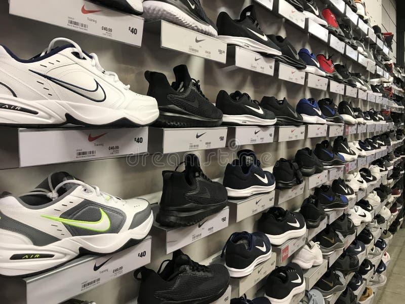 耐克鞋子 免版税库存图片