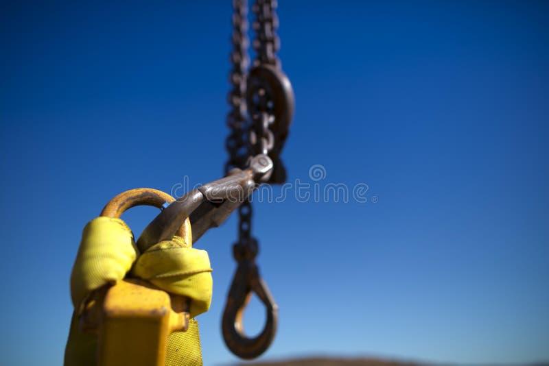 耐用艇吊钩,截去入准备好起重机勾子举的把手举装载 库存照片
