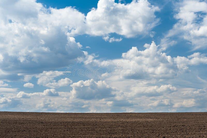 耕地和天空 库存图片
