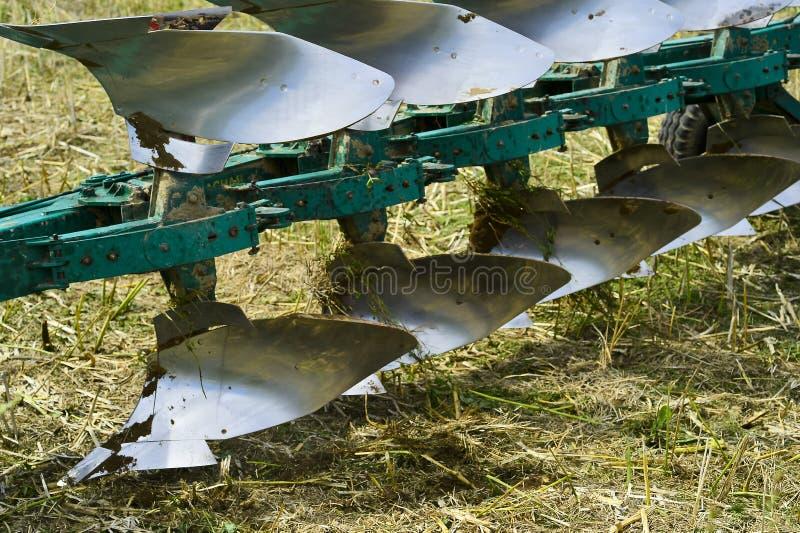 耕种特写镜头的农厂耕犁 库存图片