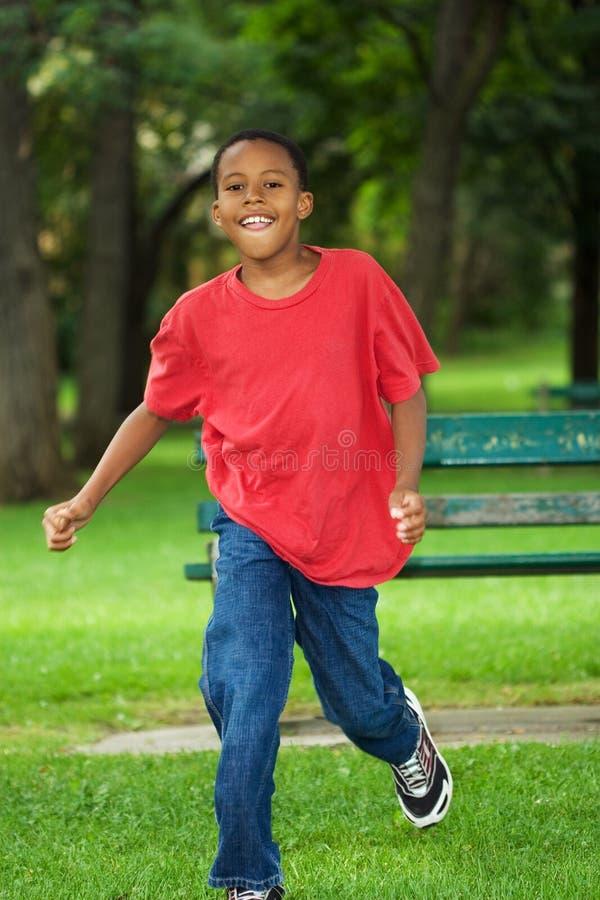 耗尽微笑的男孩 免版税库存图片