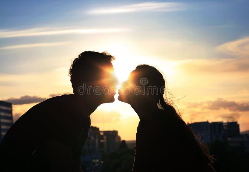 耦合亲吻 免版税图库摄影