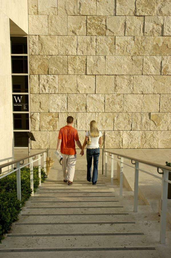 Download 耦合拿着年轻人的现有量 库存图片. 图片 包括有 牛仔裤, 日落, 现有量, 夫妇, 黎明, 台阶, 有吸引力的 - 179335
