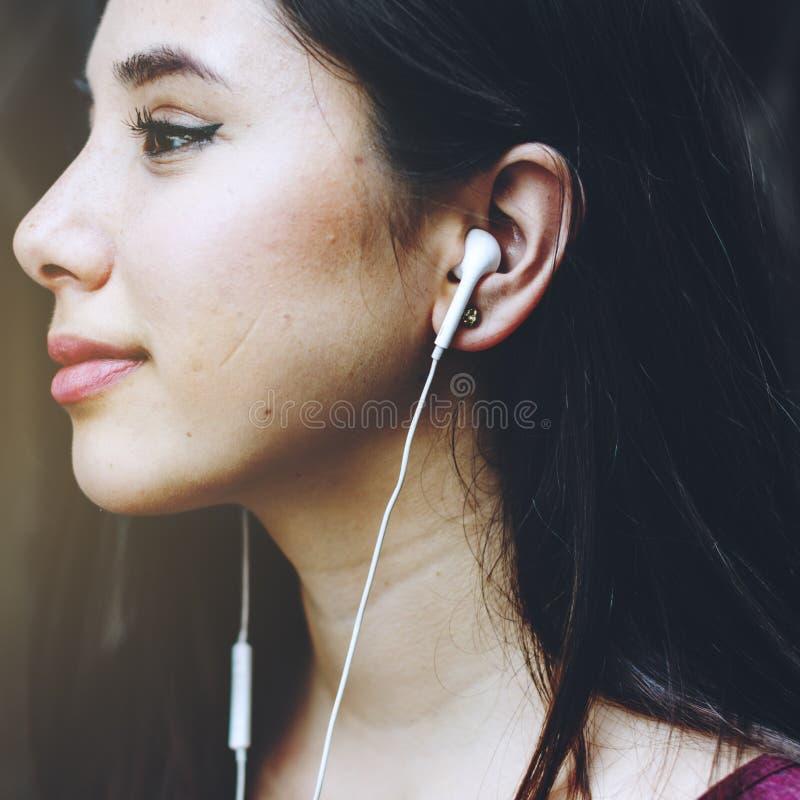 耳机耳机音频小配件音乐媒介概念 免版税库存照片