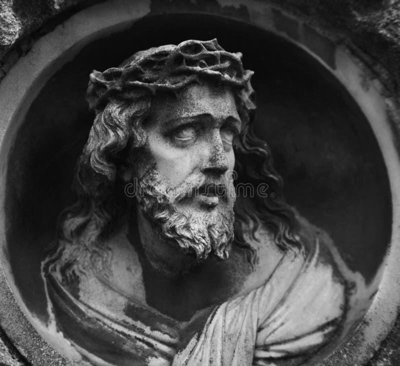 耶稣基督铁海棠的面孔(雕象) 图库摄影