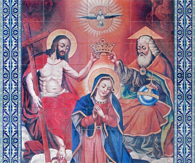 耶路撒冷-圣母玛丽亚的铺磁砖的加冕圣詹姆斯亚美尼亚人大教堂前庭的  免版税库存图片