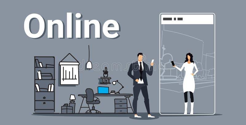 聊天与智能手机屏幕网上闲谈概念夫妇的端庄的妇女的人使用流动应用工作场所 库存例证