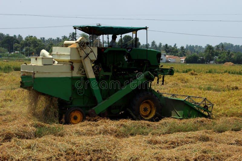 联合收割机农业机器 免版税图库摄影