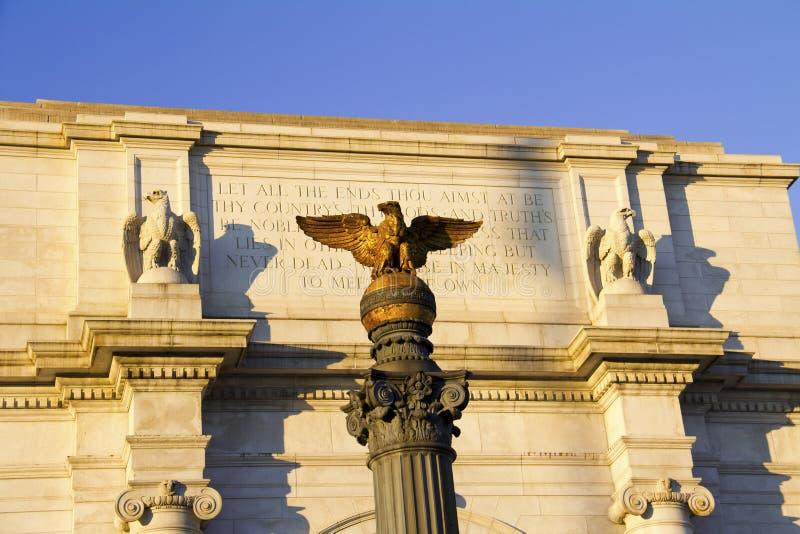 联合驻地大厦门面雕象  库存照片