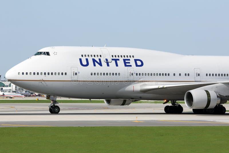联航波音747-400在芝加哥 免版税图库摄影
