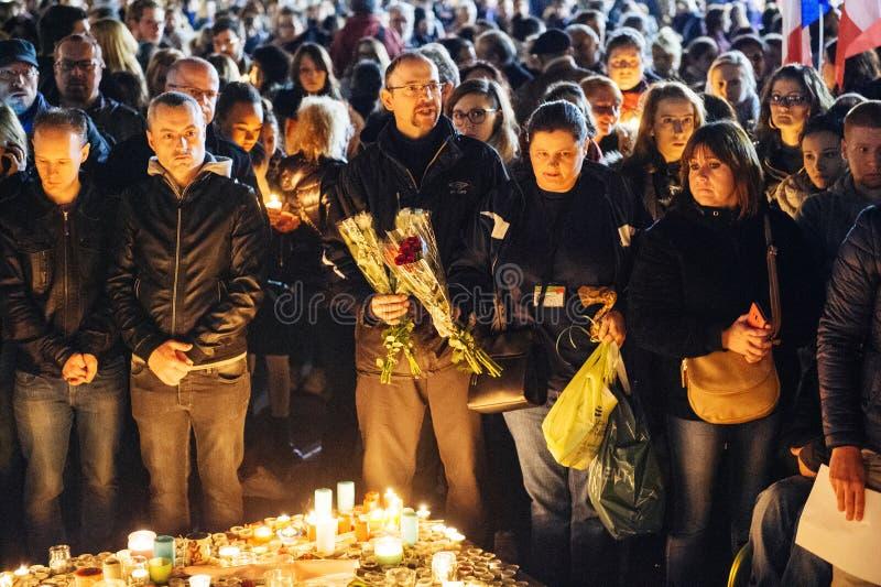 Download 聚集从巴黎攻击的受害者团结的人们 编辑类库存图片. 图片 包括有 和平, 方面, 文化, 临时, 巴黎, 史特拉斯堡 - 62538019