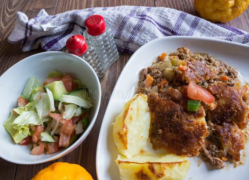 肉和蔬菜饼 图库摄影