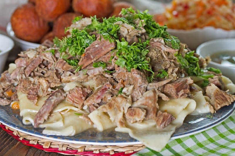 肉和面团- Beshbarmak哈萨克人全国盘  库存图片
