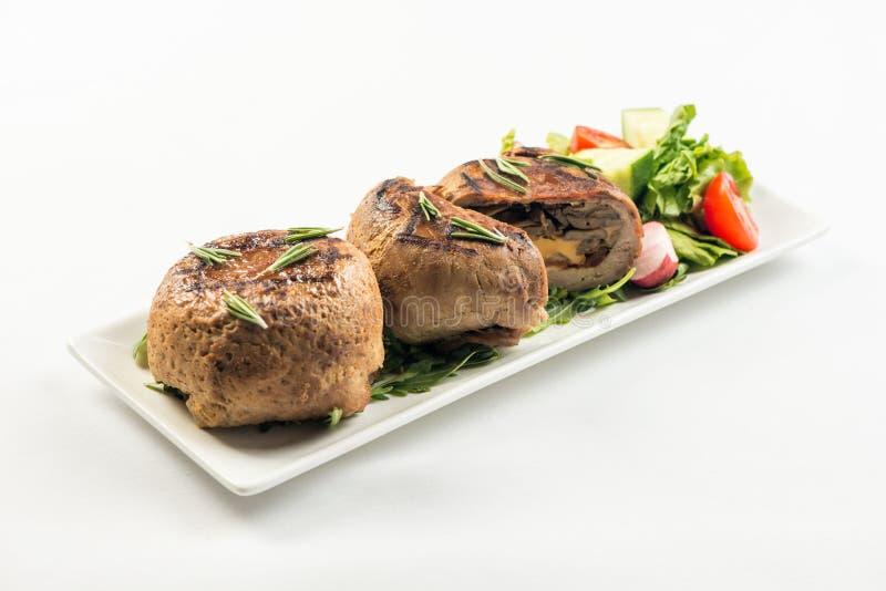 肉末大面包卷用蘑菇和红萝卜 库存照片