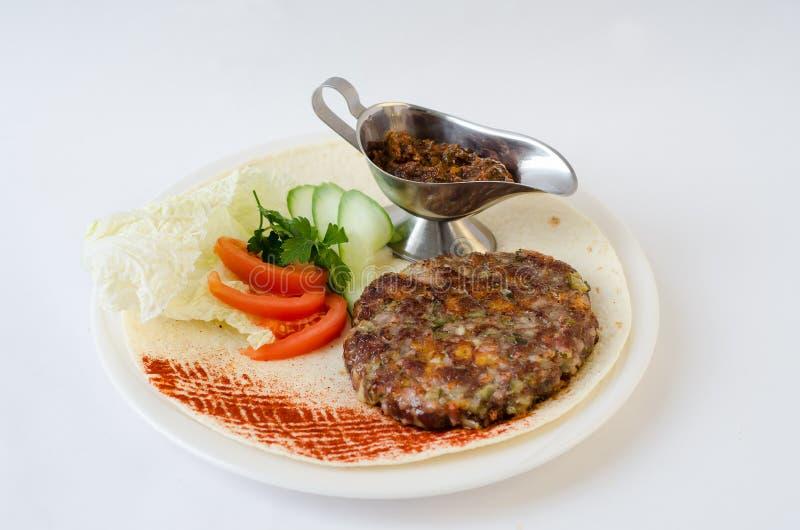 肉末用在板材的调味汁 免版税库存照片