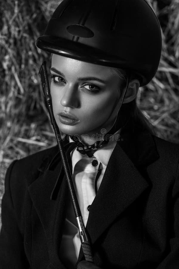 肉欲的年轻妇女画象设备骑师的 库存照片