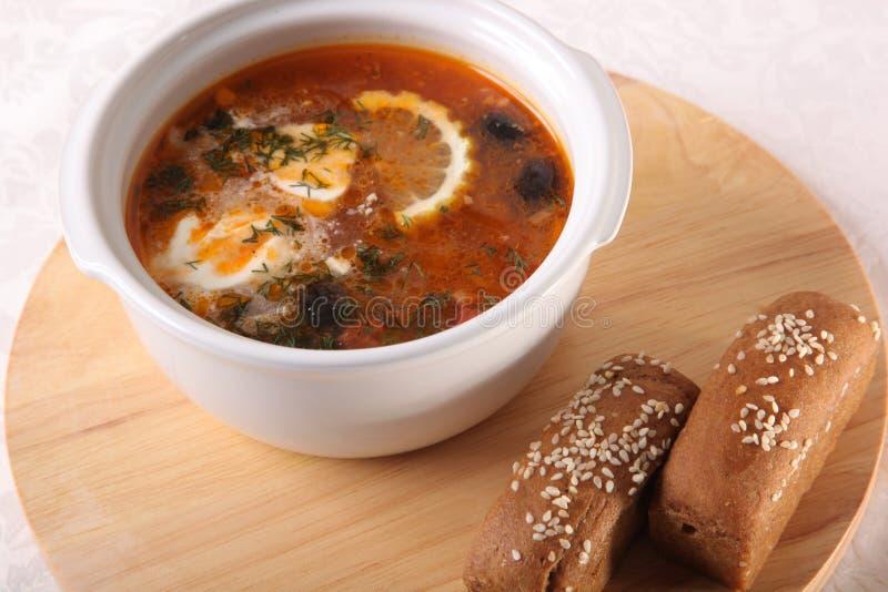 Download 肉汤用柠檬和面包 库存图片. 图片 包括有 海鲜, 叉子, 健康, 构成, 膳食, 可口, 咖啡, 红色 - 72363501